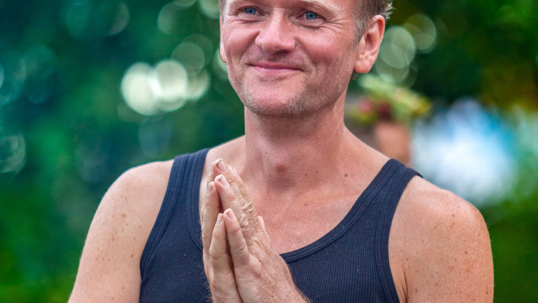 Offene Yoga Stunden im Herbst